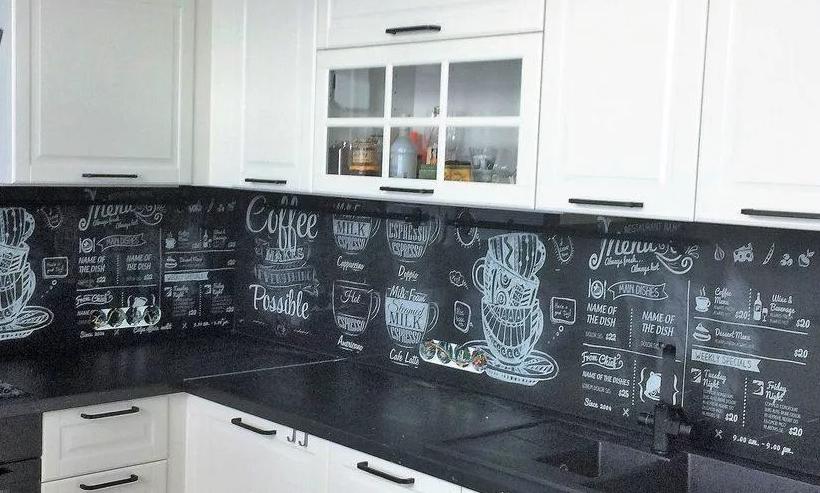 Что можно сделать вместо фартука на кухню недорого и своими руками