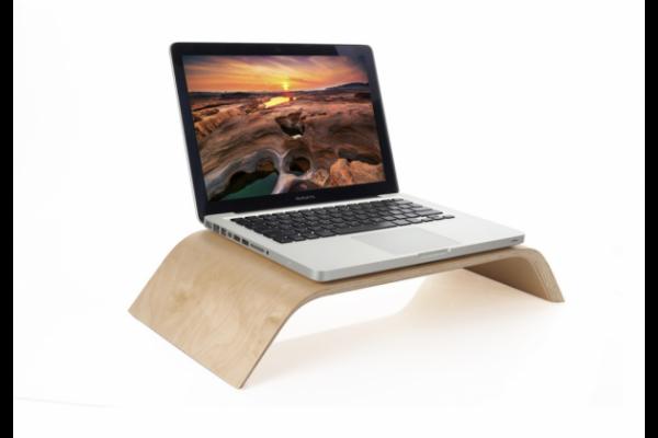 Кроватные столики для ноутбуков и их особенности